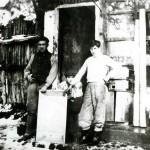 Mumcu Teneke (1957) Soldaki: Ibrahim Mumcu